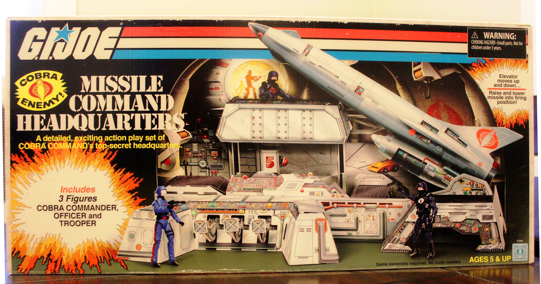 "GI Joe Cobra Missile Command Headquarters cardboard playset SDCC 2017 4/"" figures"